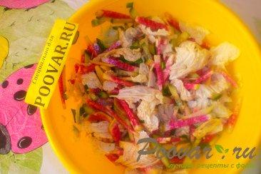Салат из редиса с капустой и огурцом Шаг 11 (картинка)