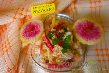 Салат из редиса с капустой и огурцом Изображение