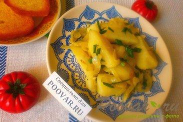 Отварной картофель с луком Изображение