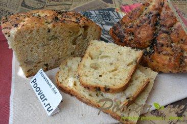 Хлеб без замеса с оливками и сыром Изображение