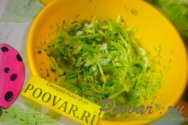 Салат из молодой капусты и киви Шаг 10 (картинка)