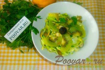 Салат из молодой капусты и киви Шаг 11 (картинка)