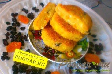Творожные сырники с кукурузными хлопьями и сухофруктами Шаг 14 (картинка)