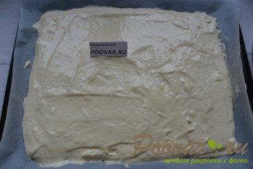 Бисквитный рулет с кремом из масла и сгущенки Шаг 7 (картинка)