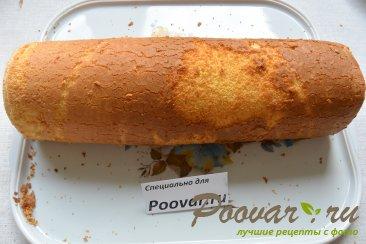 Бисквитный рулет с кремом из масла и сгущенки Шаг 17 (картинка)