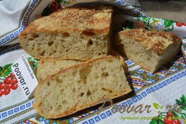 Хлеб с чесноком и сыром без замеса теста Изображение