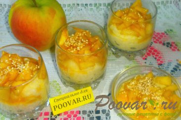 Рисовый пудинг с яблоками Изображение