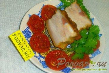 Свиная грудинка запечённая с помидорами Изображение