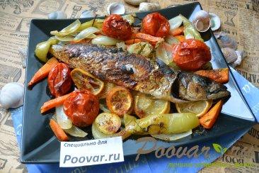 Скумбрия запеченная с овощами в рукаве Изображение