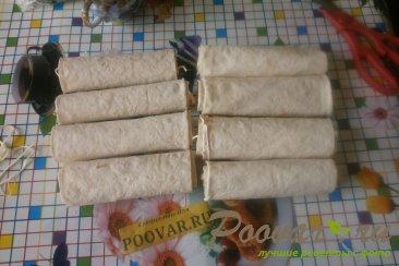 Рулеты из лаваша с сыром в духовке Шаг 7 (картинка)