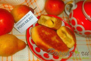 Жареные пирожки с яблоками и грушами Изображение