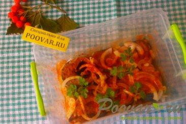 Маринованная скумбрия в кетчупе Изображение