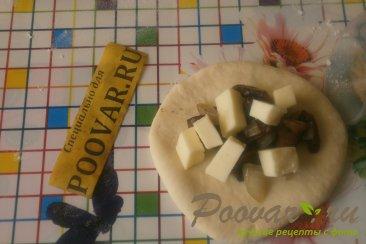 Пирожки с грибами и сыром в духовке Шаг 12 (картинка)