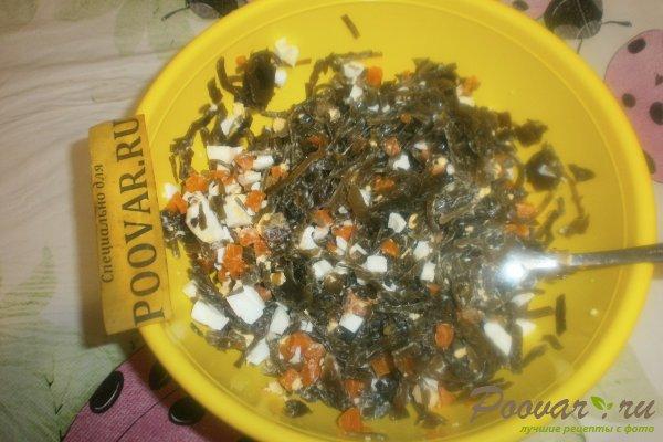 Салат из морской капусты с яйцом Шаг 9 (картинка)