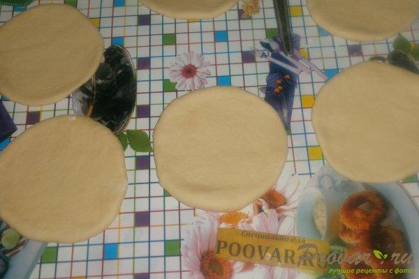 Слойки с сыром в духовке из дрожжевого теста Шаг 10 (картинка)