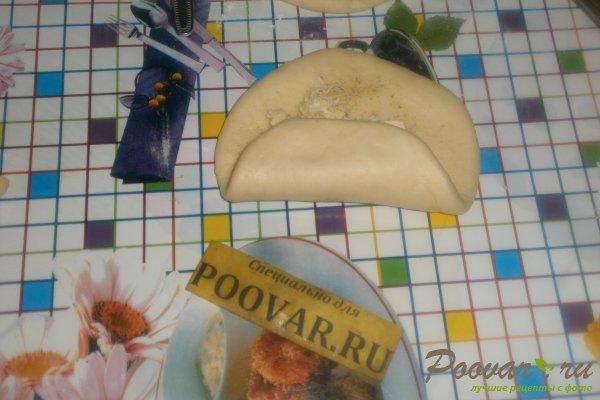 Слойки с сыром в духовке из дрожжевого теста Шаг 14 (картинка)