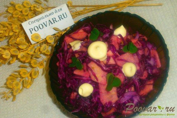 Салат из красной капусты с яблоками Изображение