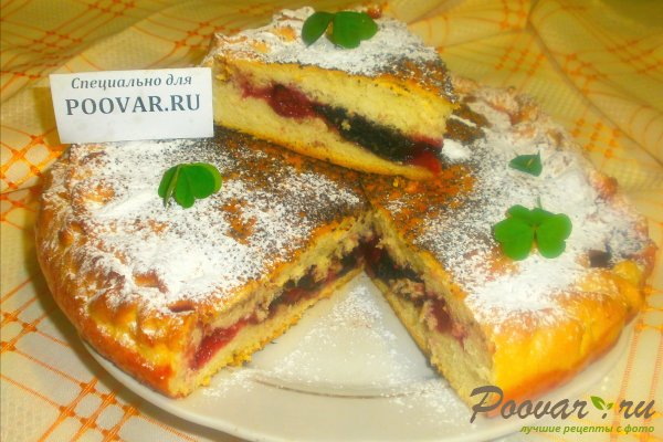 Пирог с ягодами и желе Изображение