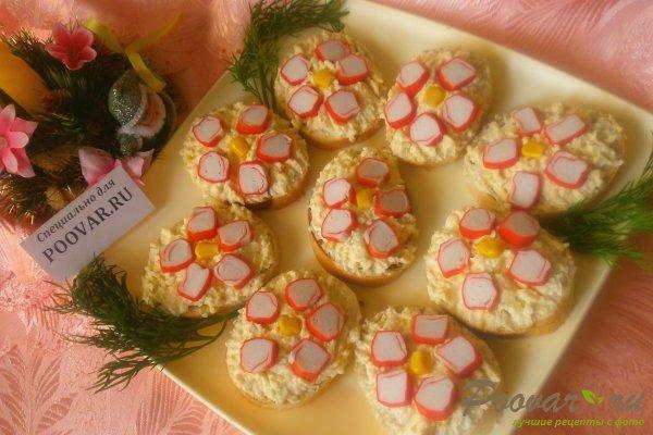 Бутерброды с крабовыми палочками Изображение