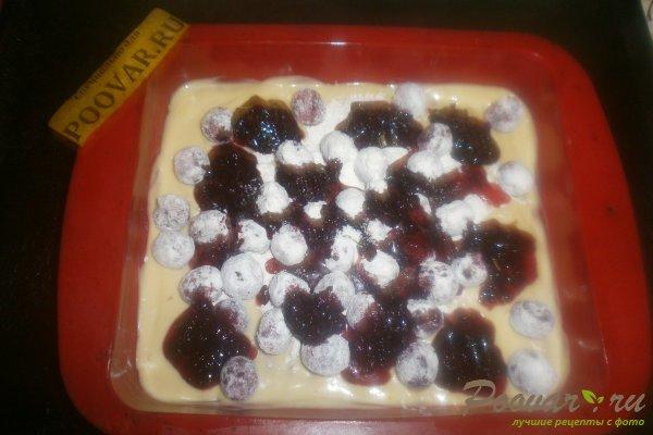 Заливной пирог с вишней и вареньем Шаг 11 (картинка)