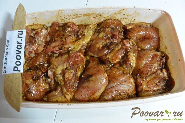 Куриные бедра запеченные с овощами в духовке Шаг 4 (картинка)