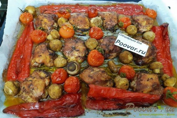 Куриные бедра запеченные с овощами в духовке Шаг 9 (картинка)