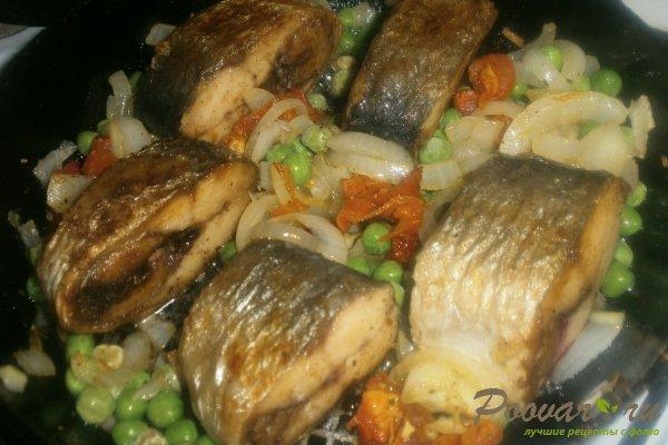 Жареная сельдь на сковороде с овощами Шаг 12 (картинка)