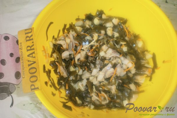 Салат из морской капусты с сельдью Шаг 8 (картинка)