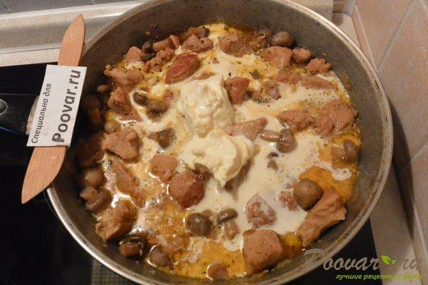 Свинина с грибами в сливочном соусе Шаг 8 (картинка)