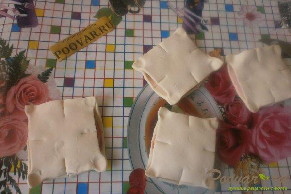 Слойки с колбасой из слоёного теста Шаг 10 (картинка)