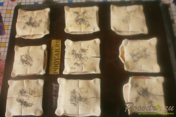 Слойки с колбасой из слоёного теста Шаг 11 (картинка)