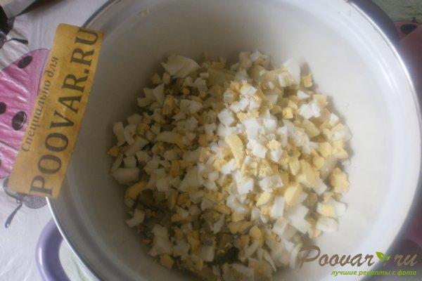 Овощной салат с крабовыми палочками и маслинами Шаг 3 (картинка)