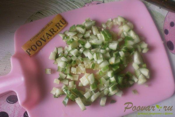 Овощной салат с крабовыми палочками и маслинами Шаг 5 (картинка)