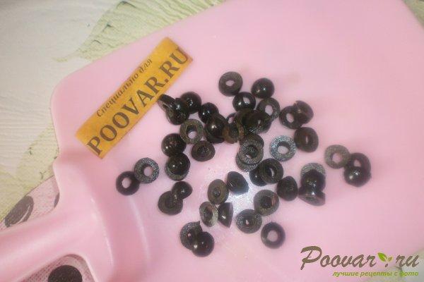 Овощной салат с крабовыми палочками и маслинами Шаг 10 (картинка)