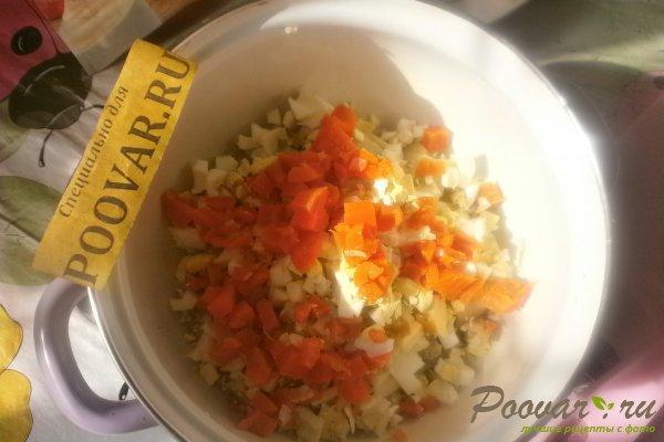 Овощной салат с крабовыми палочками и маслинами Шаг 4 (картинка)