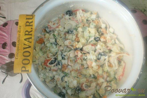 Овощной салат с крабовыми палочками и маслинами Шаг 13 (картинка)