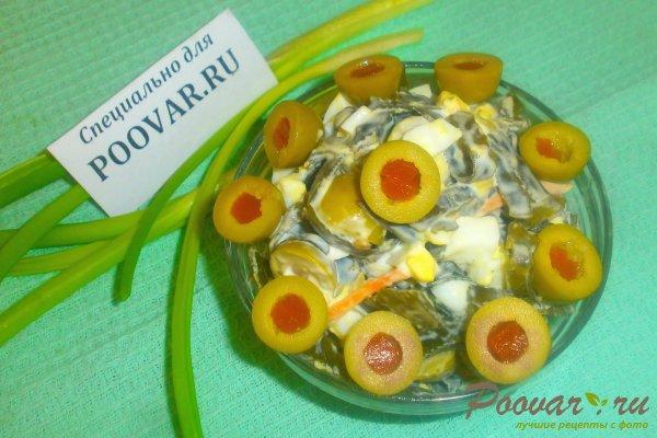 Салат из морской капусты с оливками Изображение