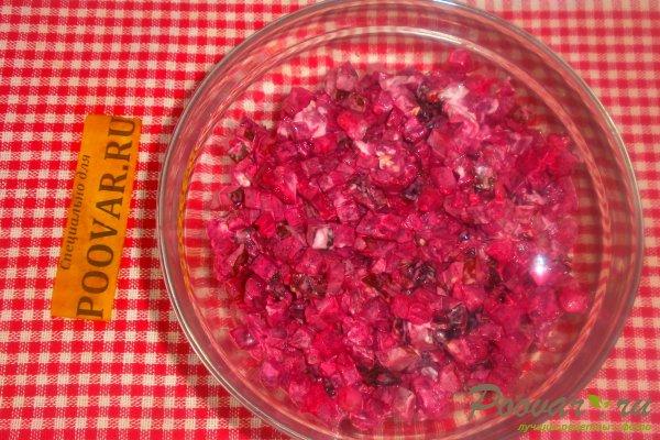 Свекольный салат с огурцом и черносливом Шаг 11 (картинка)