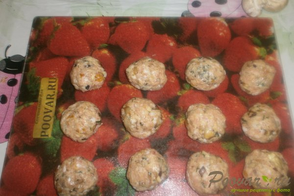 Куриные шарики с грибами и курагой Шаг 12 (картинка)