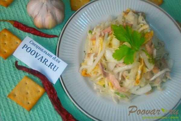 Салат из капусты и яичных блинчиков Изображение