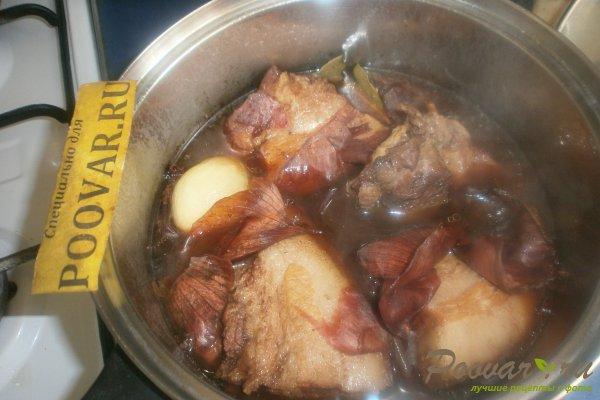 Щековина свиная в луковой шелухе Шаг 8 (картинка)