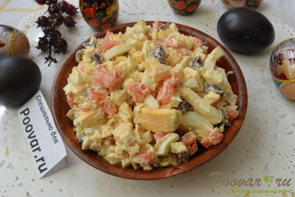 Салат из моркови с сыром и яйцами Изображение