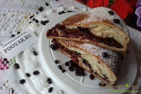 Пирог с вишней и какао Изображение