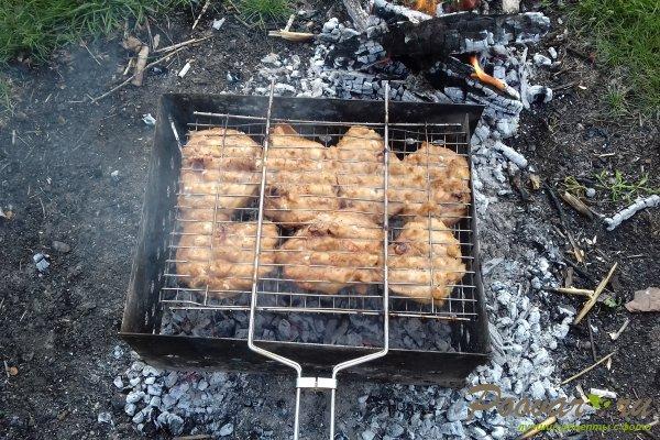 Куриные бёдрышки на мангале Шаг 9 (картинка)