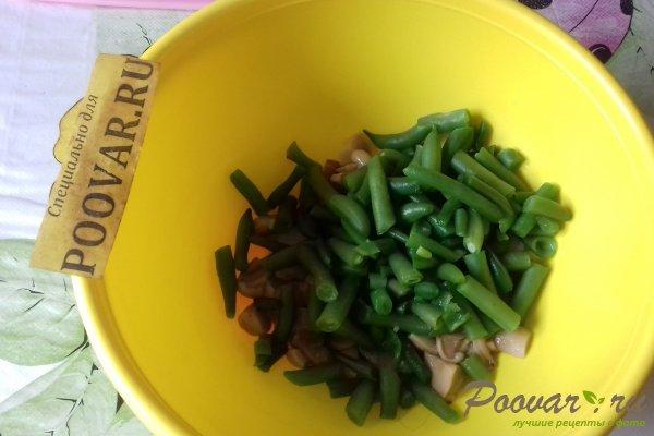 Салат из стручковой фасоли с грибами Шаг 6 (картинка)