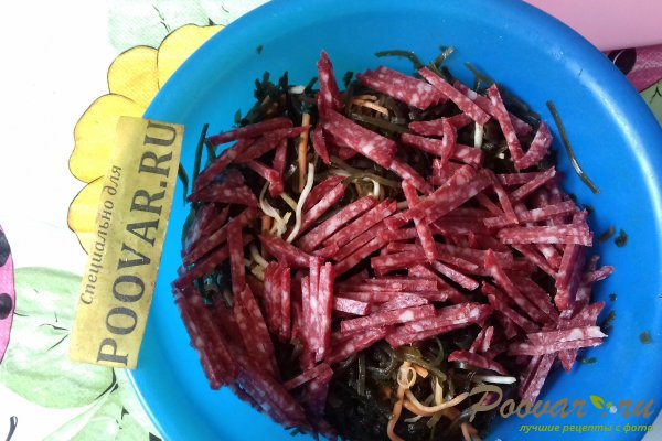 Салат из морской капусты с колбасой и сыром Шаг 4 (картинка)