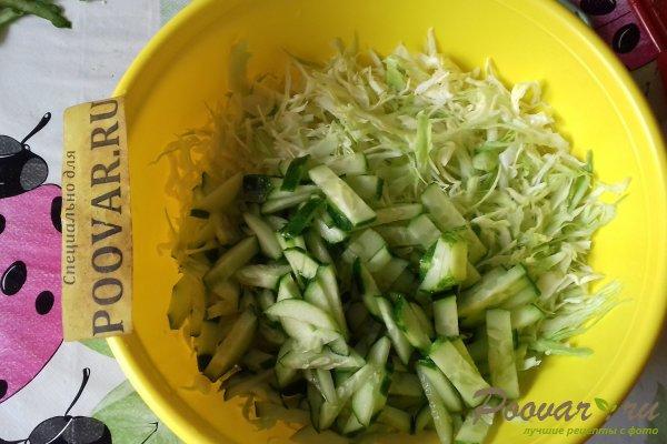 Салат с капустой и кальмарами Шаг 4 (картинка)