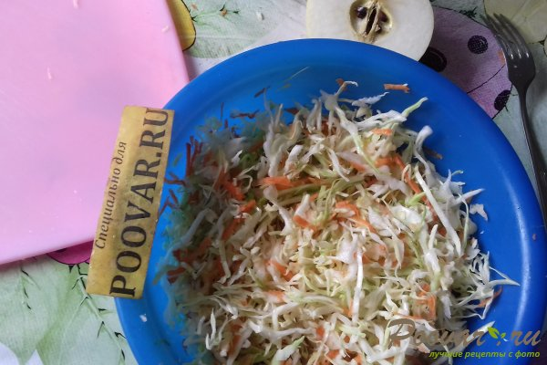 Салат из капусты со свёклой и яблоком Шаг 8 (картинка)