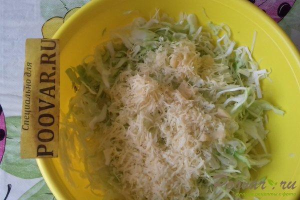 Салат из капусты с сыром, грибами и сухариками Шаг 5 (картинка)