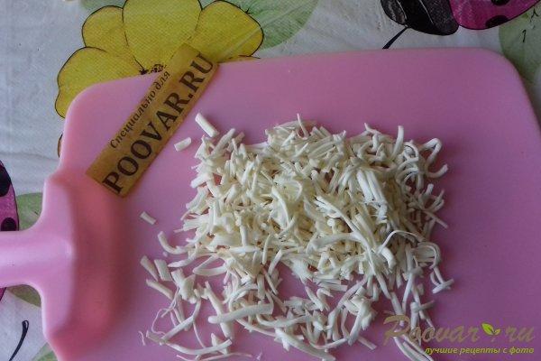 Салат из капусты с сыром, грибами и сухариками Шаг 3 (картинка)
